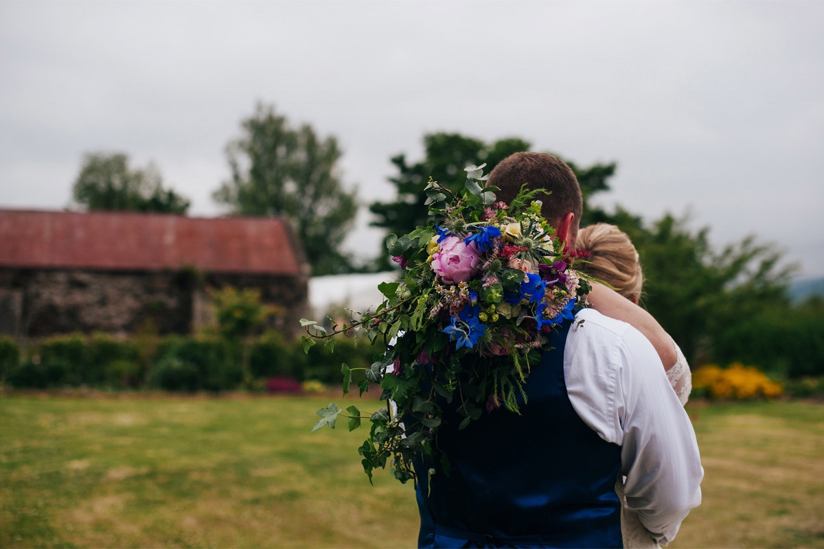 relaxed garden wedding northumberland