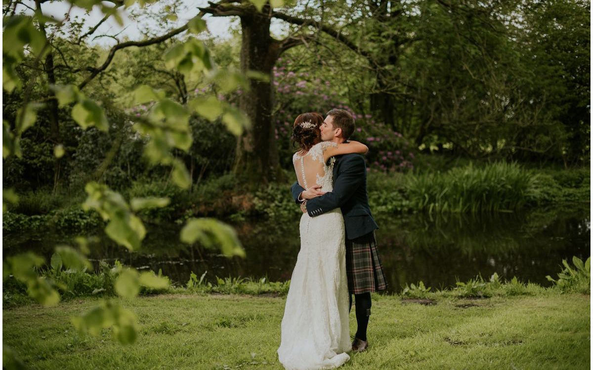 Tullibole Castle wedding photos sneak peek