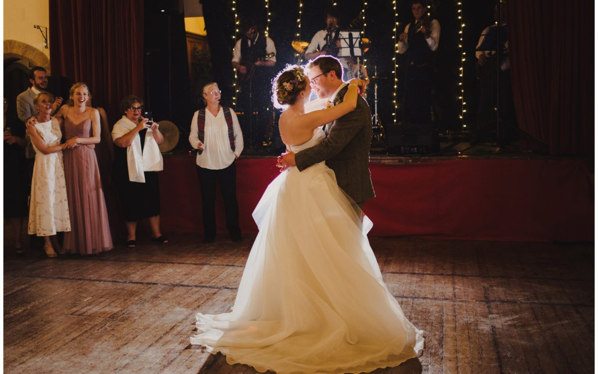 Rustic & vintage inspired relaxed wedding in Crail